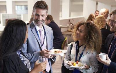 Cómo romper el hielo en un evento de networking. 8 consejos para introvertidos
