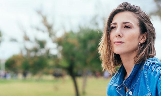 24 señales de que eres introvertido y no tímido